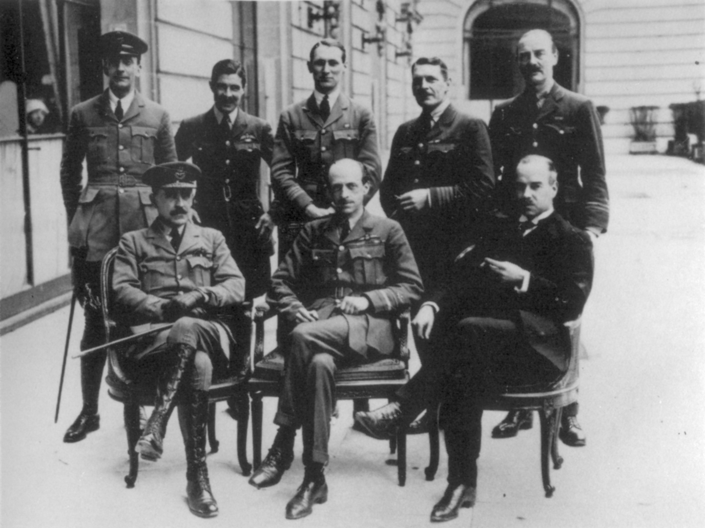 world war i and the treaty of At the end of wwi, the treaty of versailles was signed creating nine new nations:  finland  austria  czechoslovakia  yugoslavia  poland  hungary  latvia  lithuania  estonia the treaty was penned by the allies starting in january of 1919.